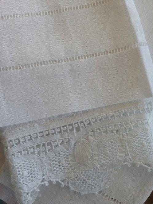 Jogo de toalhas de linho e Renascença