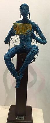 """""""Conocimiento"""" Wire Sculpture - O. Rivera"""