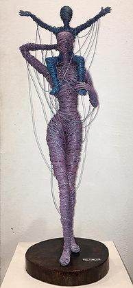 """Mamá y yo"" Wire Sculpture - O. Rivera"