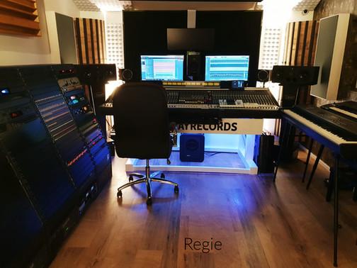 Soundcraft MH4 54 CH Analog Mixer
