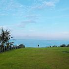 今天的天氣真的是好到不行_偷拍老闆站在海邊的背影!_#noosa海岸行館_#花蓮