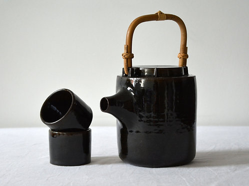 Bamboo handled Teapot & cups