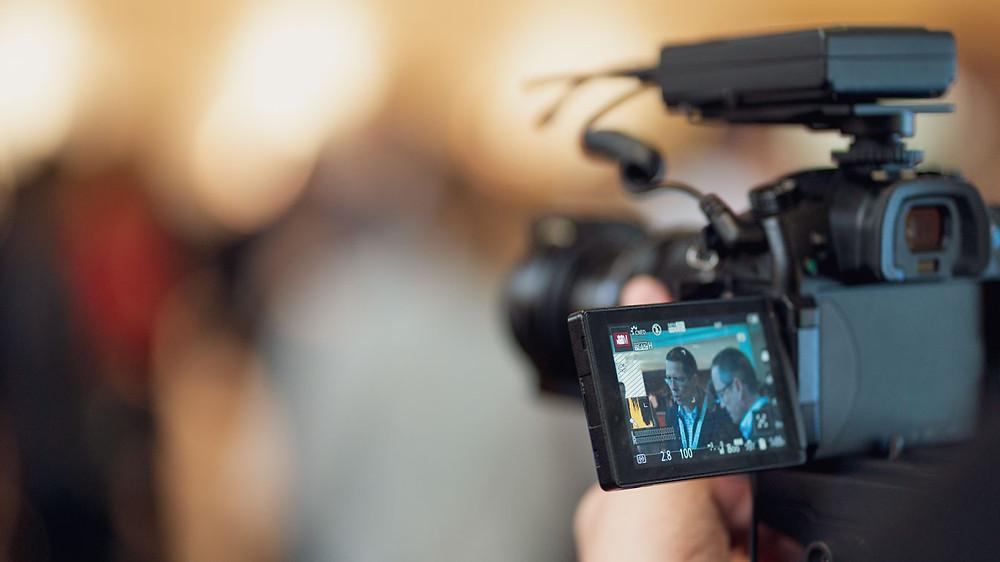 videokamera, videokuvaaja