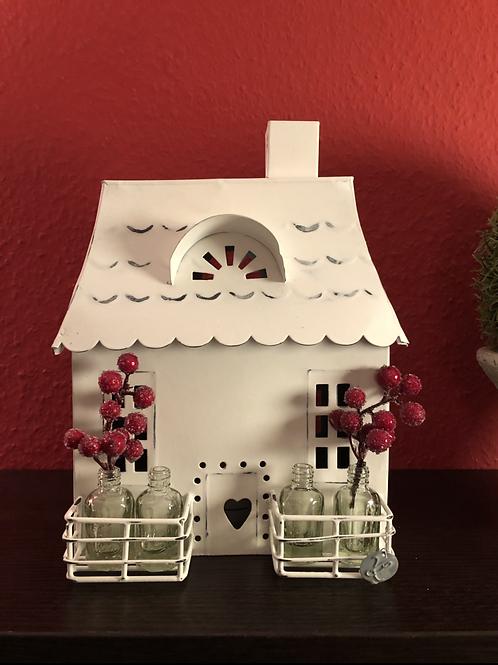VL Home - Lichthaus mit Herztür und Balkon (4 Flaschen) - Zink/Weiß