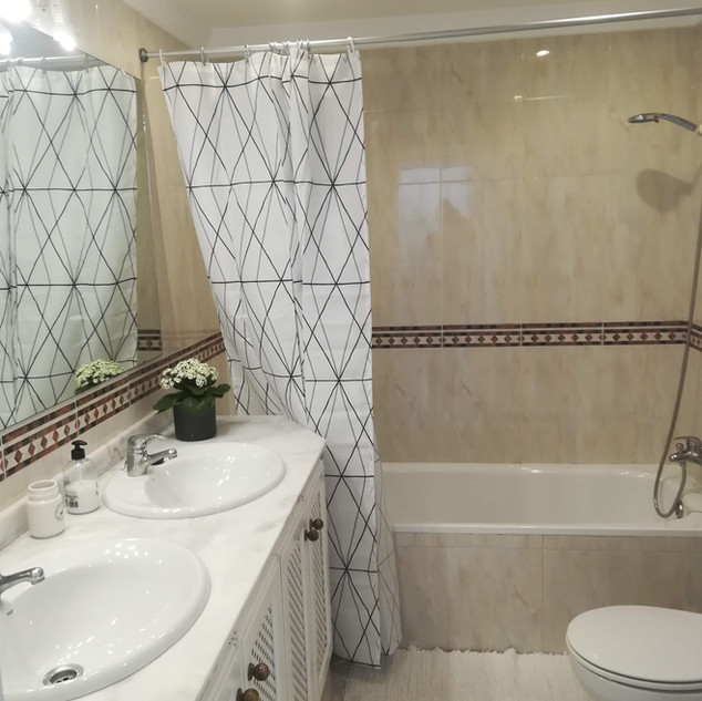 Villa Burriana - Bathroom Ensuite