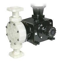 Bomba dosificadora Pulsatron: Serie Omni Blackline (Diafragma mecánica) modelos: DC2A, DC2B, DC2C, DC3B, DC3C, DC4B, DC4C, DC4D, DC5C, DC5D, DC6C, DC6D, DC7C, DC7D, DC7J, DC7K
