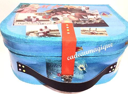 valise vintage turquoise en carton : idée cadeau personnalisé