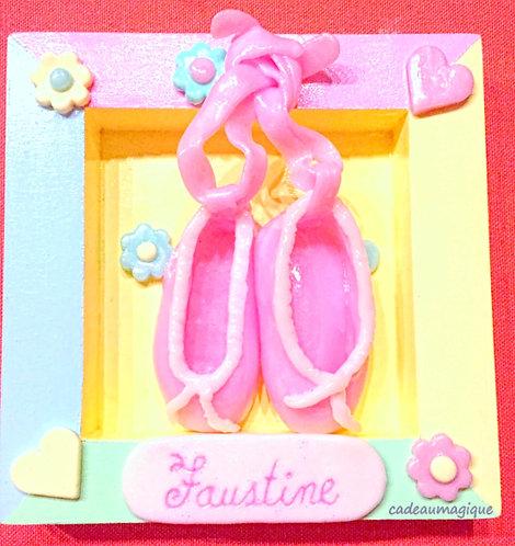 cadre bois pastel avec ballerine rose fimo : cadeau personnalisé