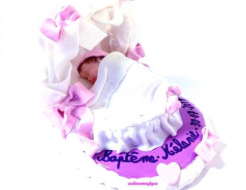 couffin bébé sur socle fimo : cadeau personnalisé bébé