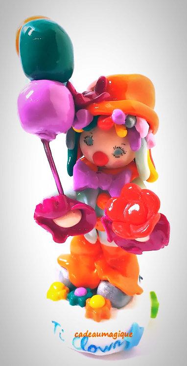 joli clown multicolore personnalisé en fimo : cadeau anniversaire