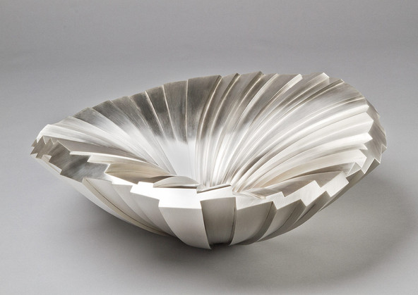 Kevin Grey, Cygnus, 2014, sterling silver, 46 cms diameter x 30 cms high, private collection,  photo Steve Underhill.