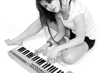 Ancien CFPM - Mélissandre Azoulay - chanteuse et leader du groupe Azul' jazz trio