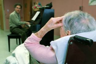 Pourquoi utiliser la musique en maison de retraite ?
