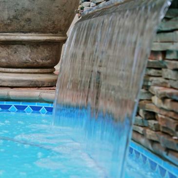 Pool minature waterfall