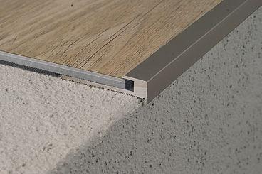 CAVUM stair und CAVUM flex stair Treppenprofilvarianten von Economy bis First Class