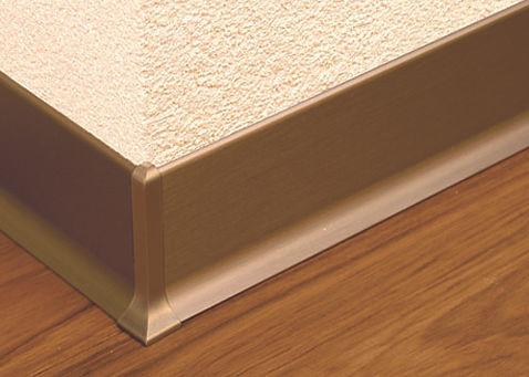 Schmuckstücke für Ihren Boden - die neuen Aluminum-Sockelleisten und –Ecken in Silber- und Edelstahloptik
