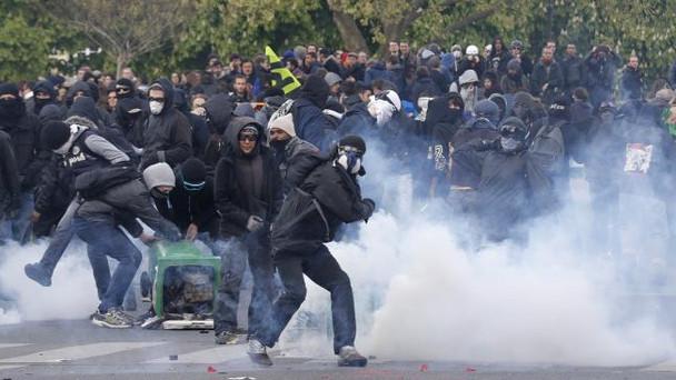 Des manifestations et des casseurs