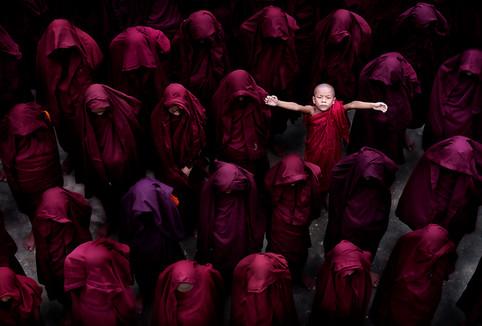 "Chairlady Award - Color - ""I am here"" - Thi Ha Maung - Birmania"