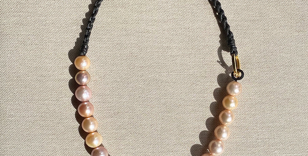 Marge Necklace (peach to mauve)
