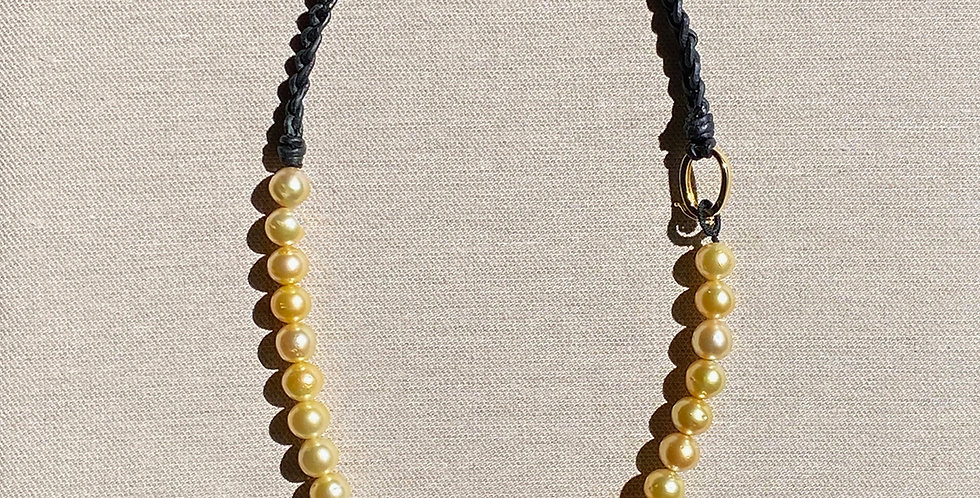 Marge Necklace (golden south sea pearl)