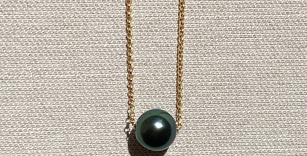 Momi Necklace (black Tahitian pearl)