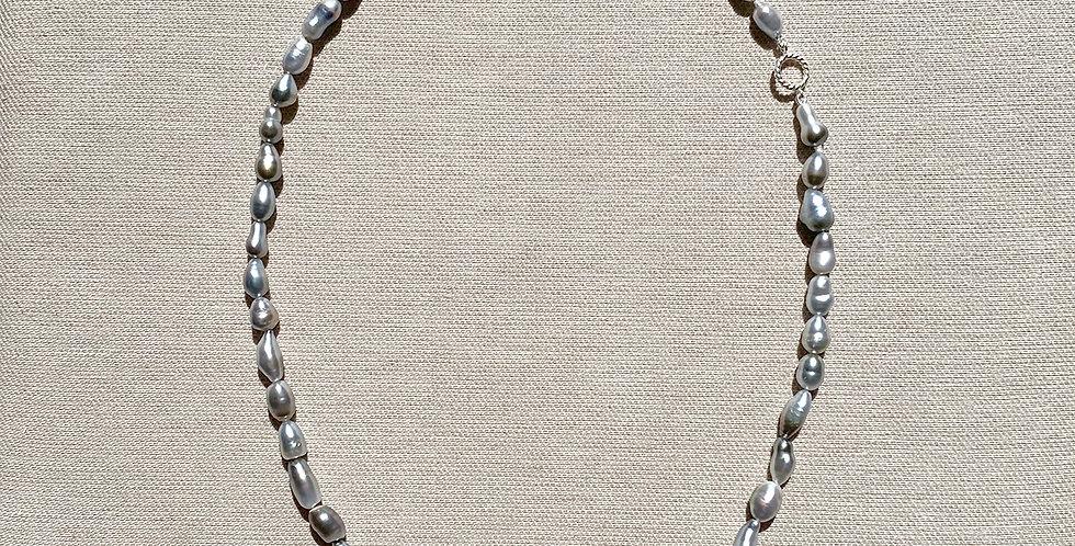 Love Necklace (silver Tahitian keshi pearl)