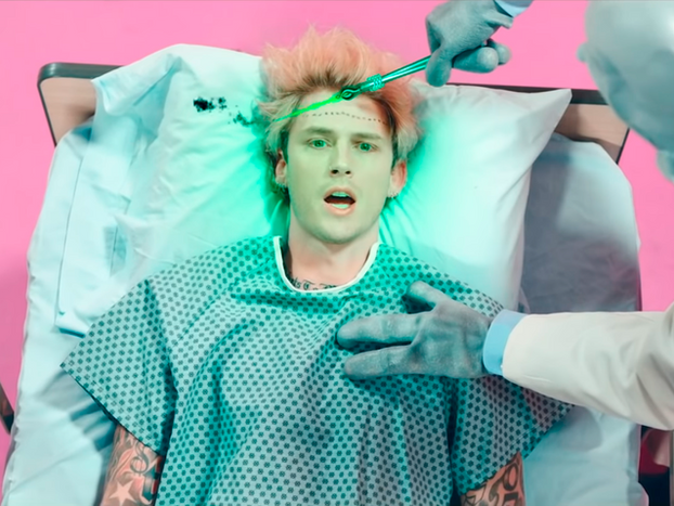 "Machine Gun Kelly ft. Travis Barker ""Concert For Aliens"""