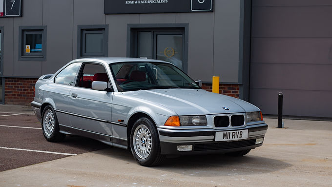 1994 BMW 318is (e36)