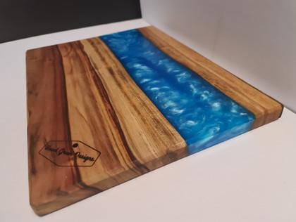 Camphor laurel cutting/serving board