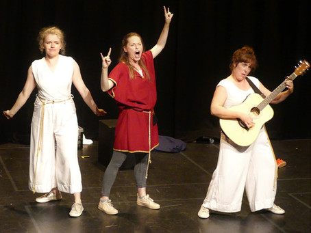 """Womans (Like Romans, but with a """"W""""). Scratchworks. Riverhead Theatre Louth. 30 September 2021."""