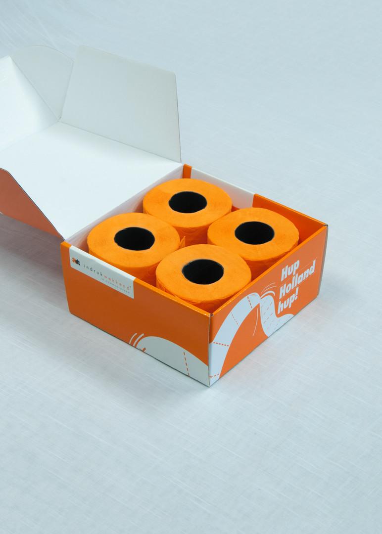 Oranje doos open