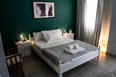 Kiki's Apartments Room 1 - bed1.jpg