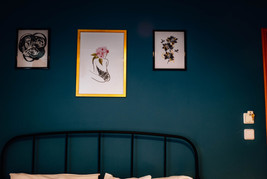Kiki's Apartments Room 4 - decors bed