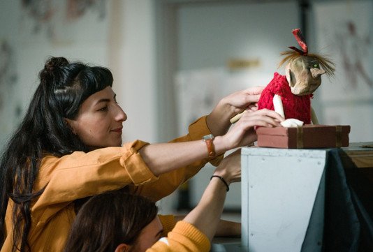 Puppeteering at Curious School of Puppetry