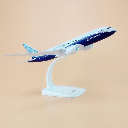 Miniatura de metal de um Boeing 787 tamanho 20cm (1/350)
