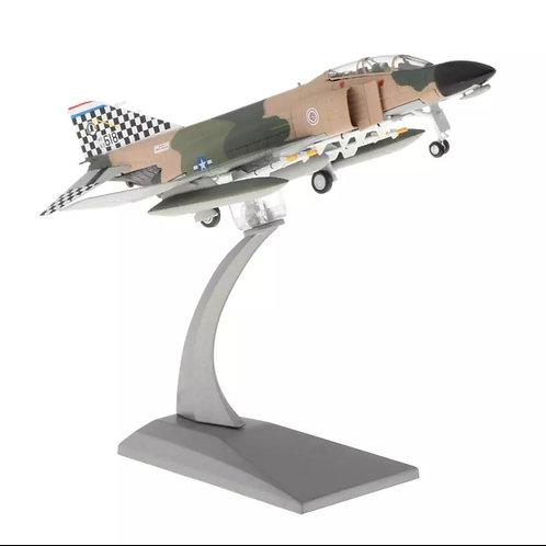 Miniatura de metal de um McDonnell Douglas F-4C Phantom II (1/100)