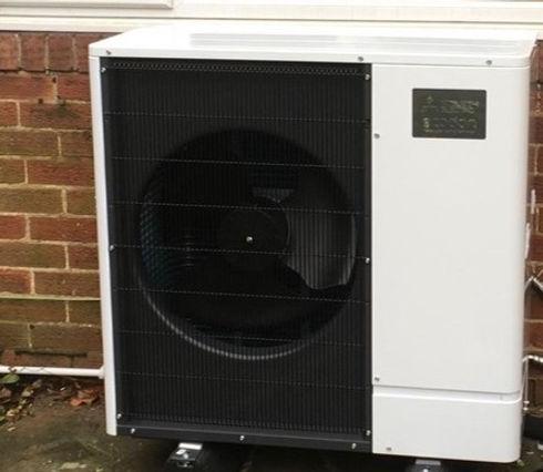 Harrogate resident air source heat pump HDCCC