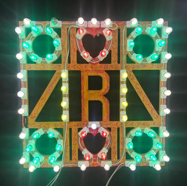 Lettera legno e luminaria, cm 50x50
