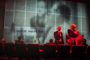 Schwarzwasser_Akademietheater_c_Horn_365