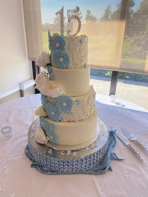 """6/8/10/12"""" Quinceanera Cake"""