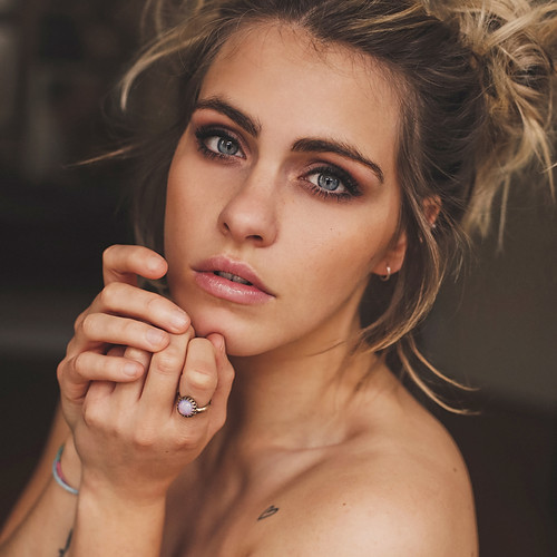 Moderatorin - SARAH MANGIONE