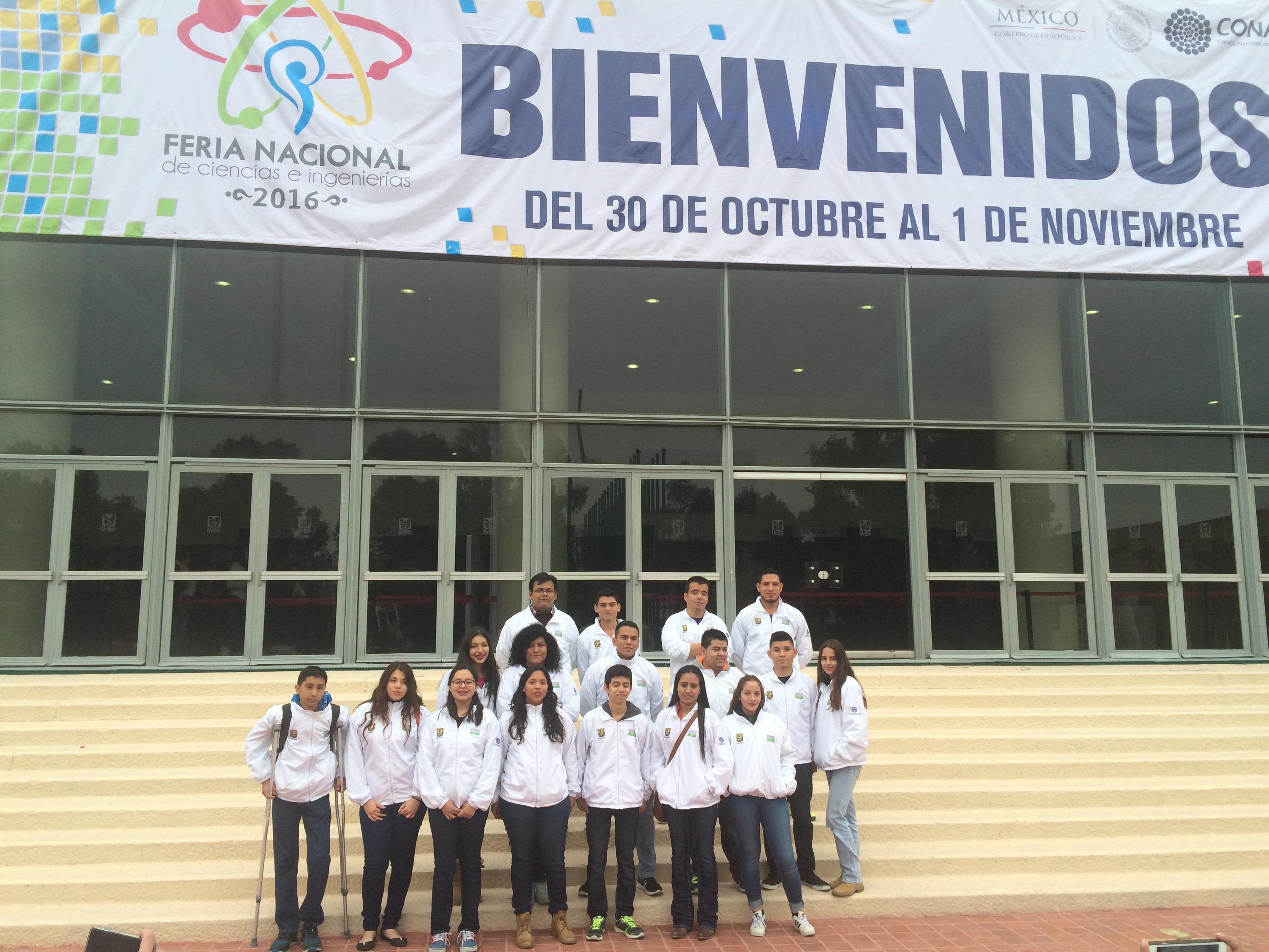 Alex_Najera,_Zyania_G._Sánchez_y_Ana_Paola_Mtz._en_FENACI_México,_D.F.