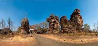 Bhimbetka rock shelters approach