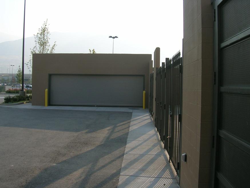 Zamboni Enclosure (3).jpg