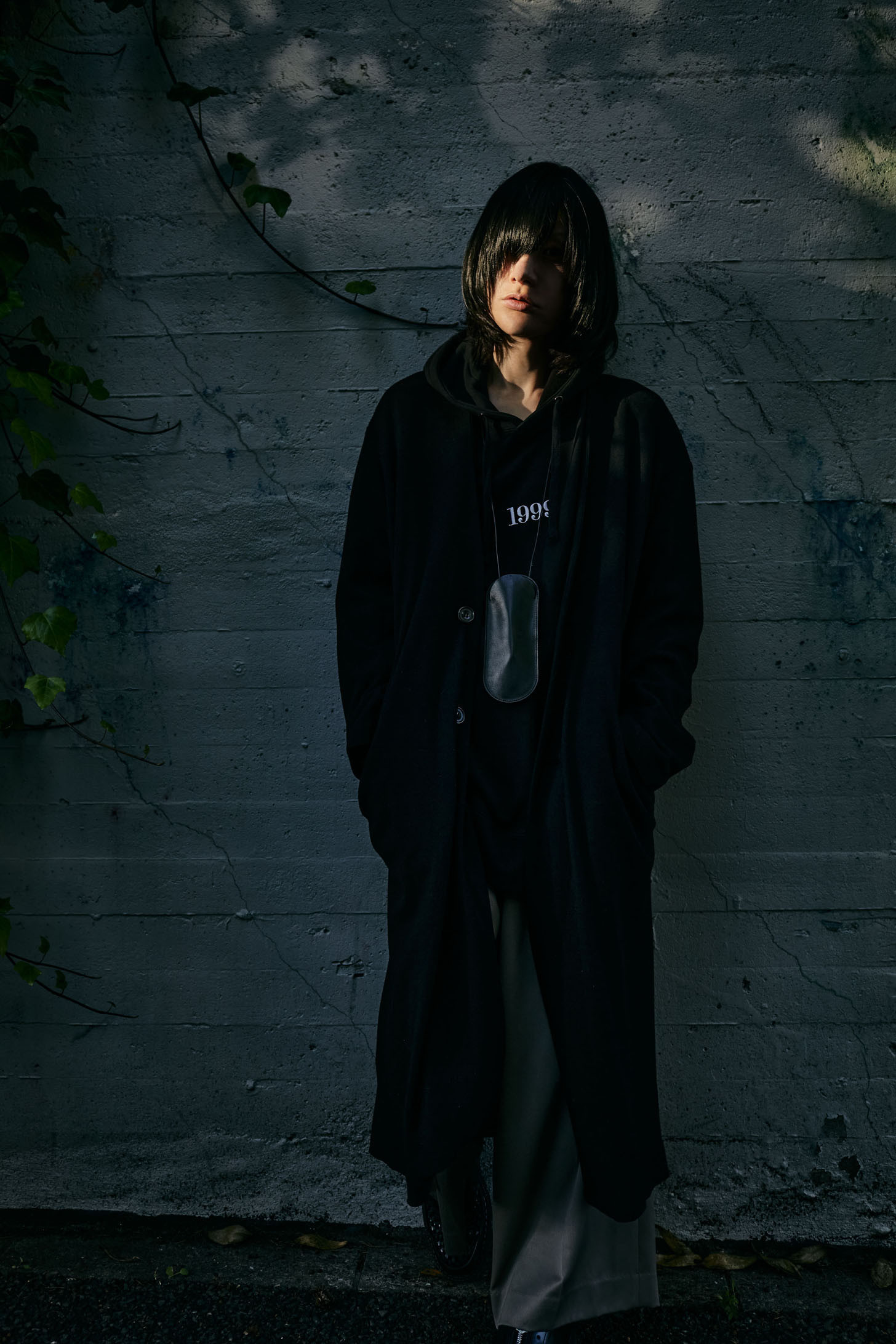 """""""1999"""" Embroidery  big silhouette hooded parka"""
