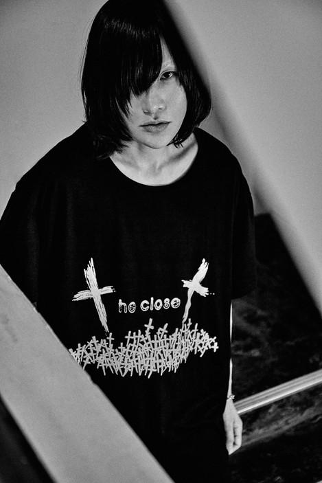 """closet child"" big silhouette tee"