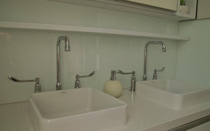 Dekkers Bathroom - Vanity Basins
