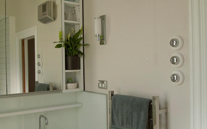 Dekkers Bathroom - Vanity / Wall Heater / Heated Towelrail
