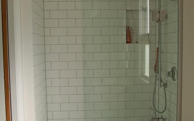 Dekkers Bathroom - Bath / Shower