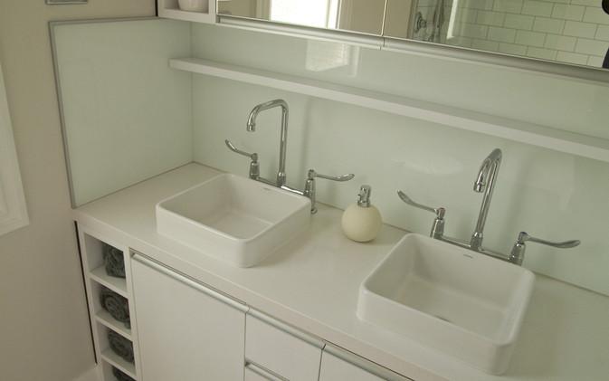 Dekkers Bathroom - Lower Vanity